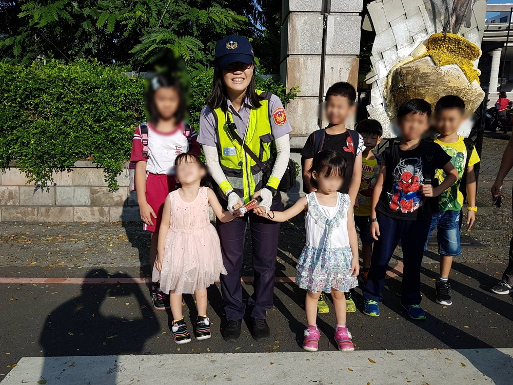 Schools have started! Police Station of Pingtung County to protect children, who are most